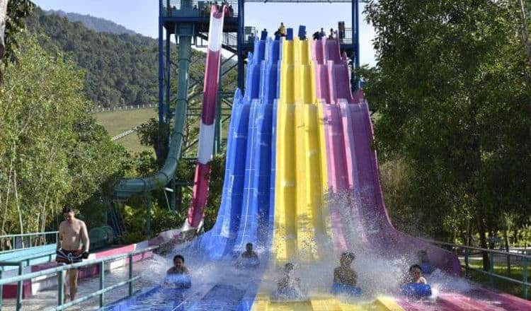 Kontraktor waterboom